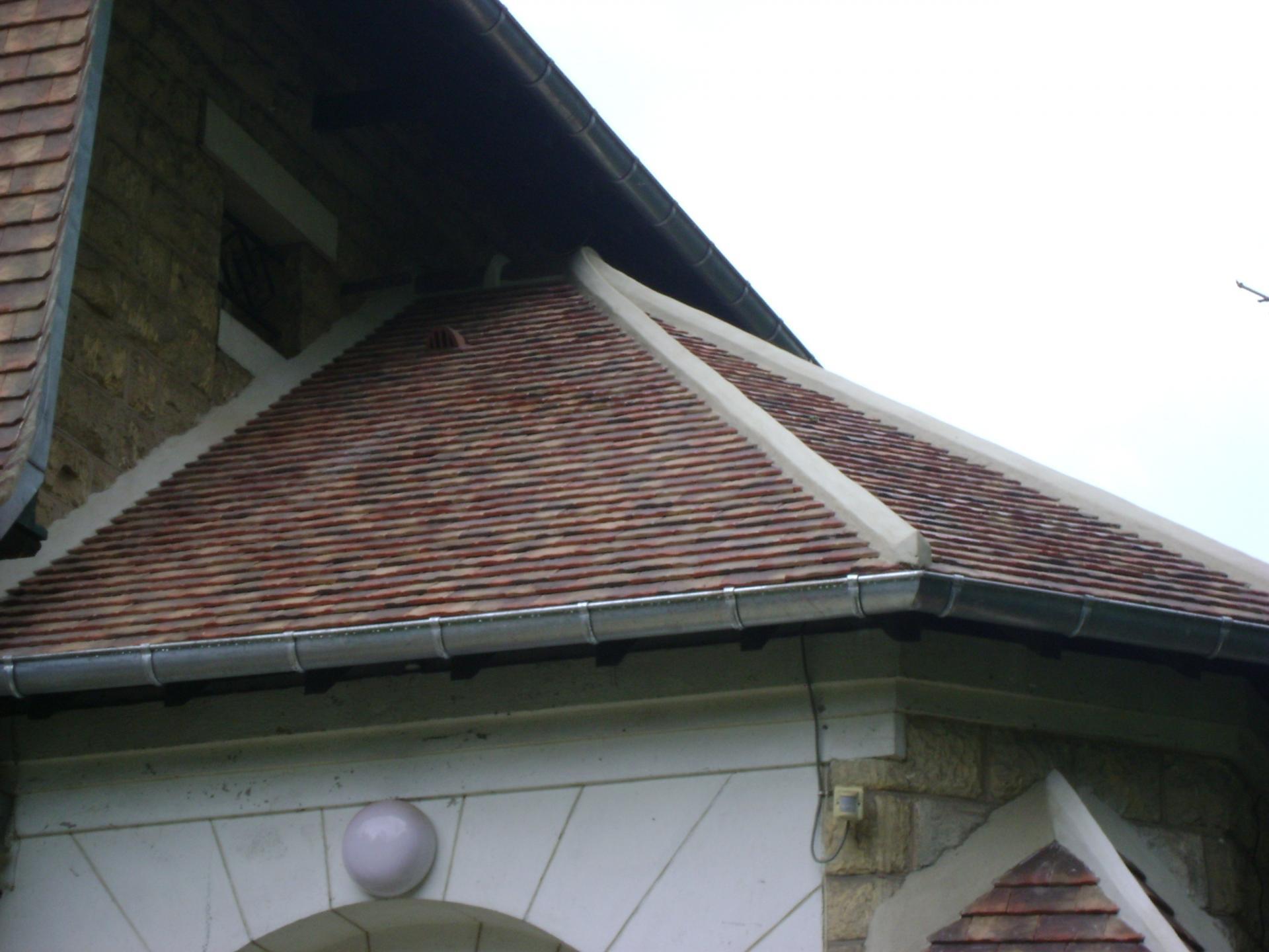 R alisation de toiture tuiles ardoises compi gne oise 60 for Tuiles legeres pour toiture